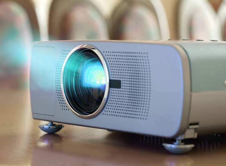 Know About The Greatest Purposes of Sensible Mini Projector